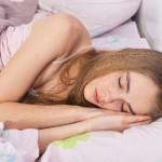話題の重い毛布とは?圧迫刺激で睡眠不足を改善