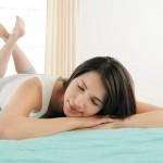 夏の布団の寝心地は敷きパッドで調節する