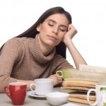 不眠で起こる胃痛、イライラの原因と対策