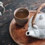 寝る前にほうじ茶を飲むと眠れなくなる?
